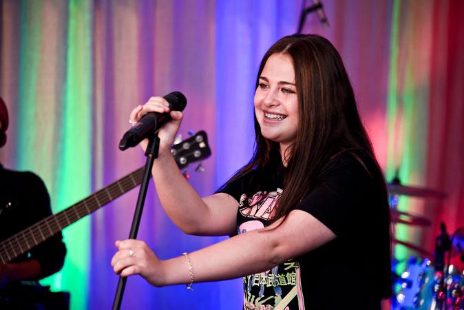 Lisa-Taylor_Vocalist
