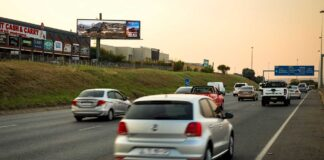 Outdoor-Network-launches-new-hybrid-static-and-digital-billboard-on-the-M1-Johannesburg-001